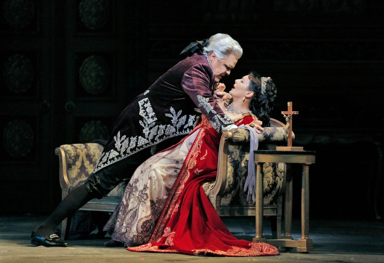 Mark Delavan as Scarpia and Lianna Haroutounian as Tosca.